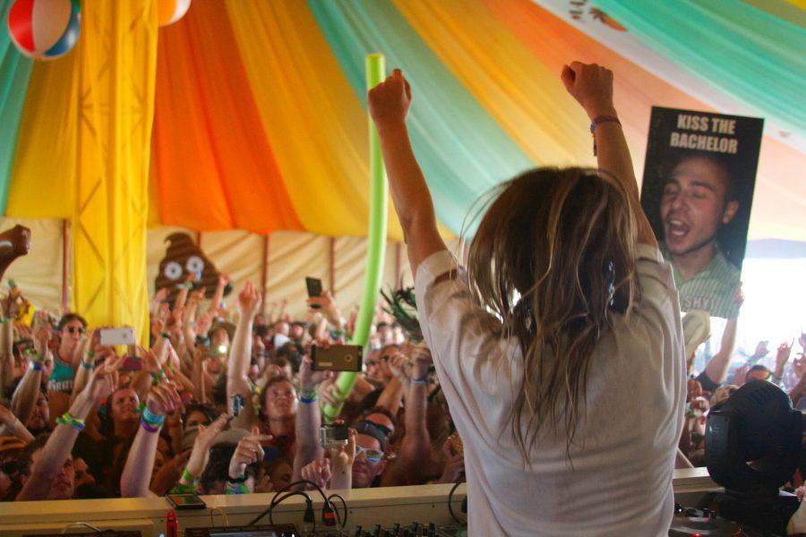 hangout music festival travel blogger