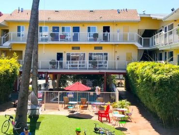 San Francisco california travel blogger hotel del sol marina
