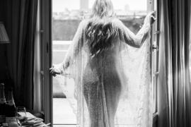 boudoir Paris elope wedding travel blogger photoshoot