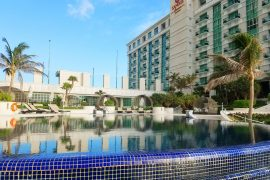 Sandos Cancun Lifestyle Resort is a small all-inclusive resort in Cancun for adults, couples, and groups of girls.