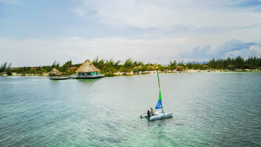 travel blogger Belize coco plum cay private island romantic vacation