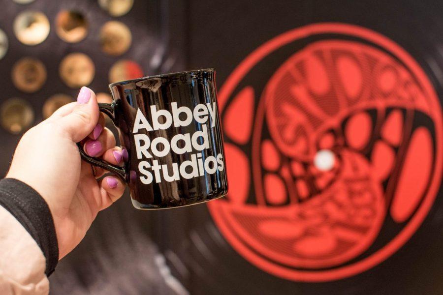 London travel blogger London beatles abbey road